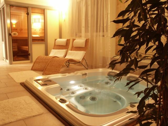 wo kann man einen whirlpool aufstellen fragen. Black Bedroom Furniture Sets. Home Design Ideas
