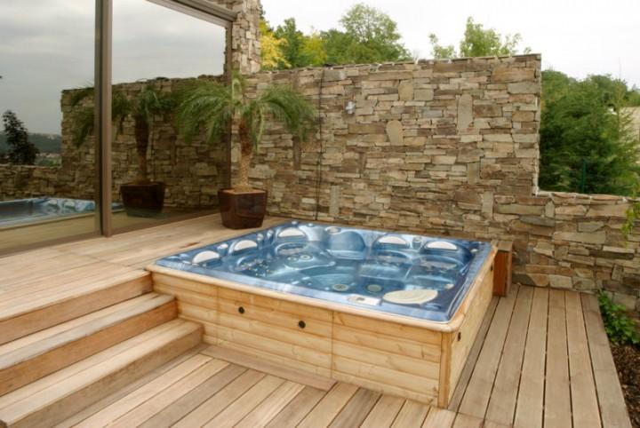Whirlpool Columba Auf Einer Terrasse Blog Aqua Whirlpools